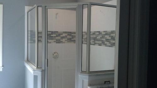 2-framed_neo_angled_door